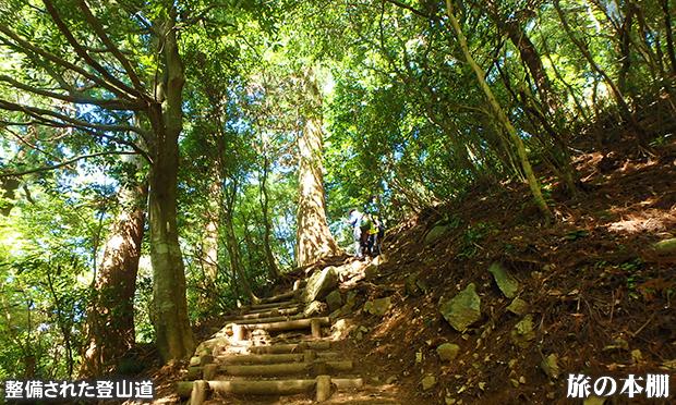 筑波山 老若男女、ケーブルカーやロープウェイも利用でき、手軽に登れる