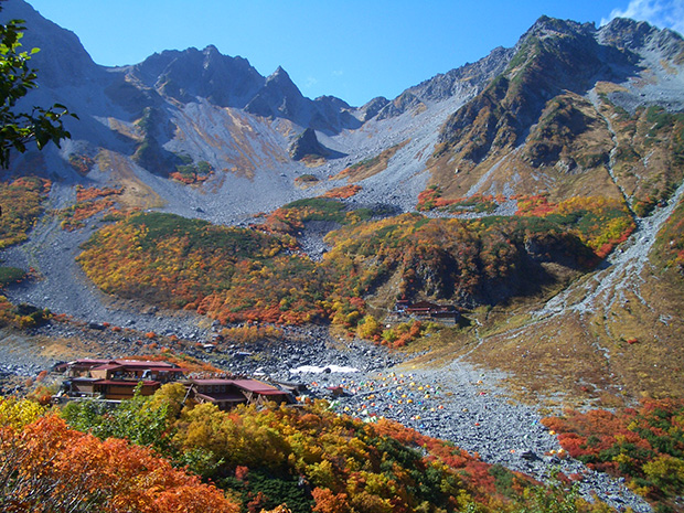 富士山の次に絶対に登りたい5つの山 紅葉の涸沢カール編