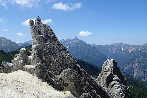 花崗岩の風化した美しい山並み